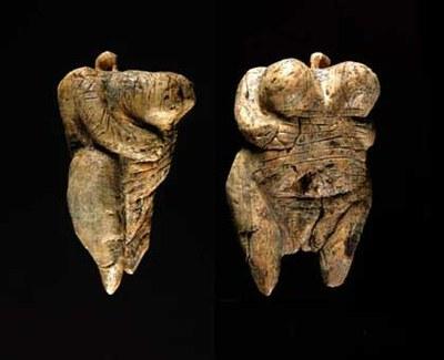 35.000 urte dituen giza itxurako eskulturarik zaharrena aurkitu dute