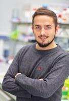 """Aitor Manteca:  """"Genetika eta biologia molekularrari esker duela 300 milioi urteko animalien proteinak berpizteko gai gara gure laborategian"""""""
