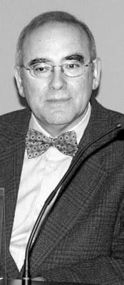 """""""Anthology of apologists and detractors of the basque language"""" liburua argitaratu du Juan Madariagak, NUPeko irakasleak"""