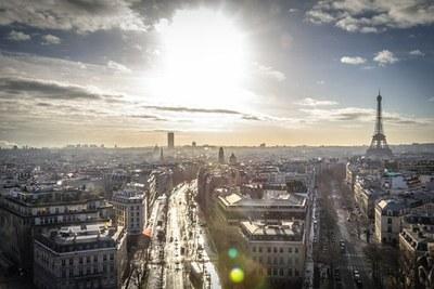 Bi beka Unescoren Pariseko egoitzan lan egiteko