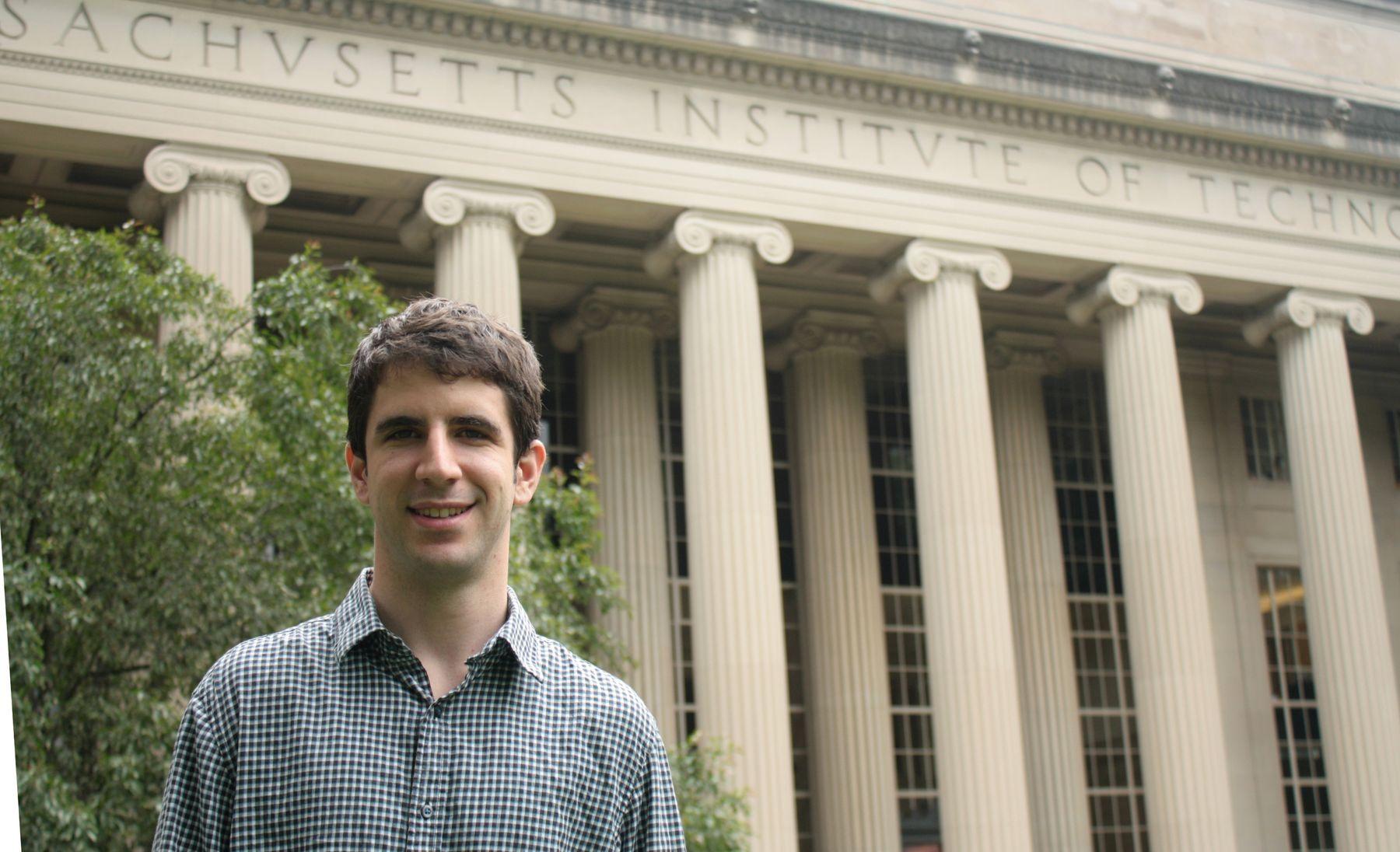 NUPeko ingeniari batek doktoretza tesia defendatu MITen