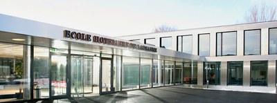 """Suitzako """"Ecole Hoteliere de Lausanne"""" campuseko handitze lanetarako proposamena aurkeztuko dute Universidad de Navarrako ikasleek"""