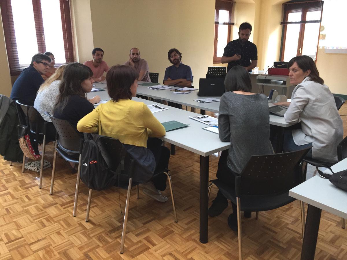 Arkitektura euskaraz klasea txikia